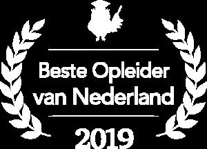 Creatie Nest Stefan Hensen Beste Opleider en Trainer van Nederland 2019 Logo - Wit